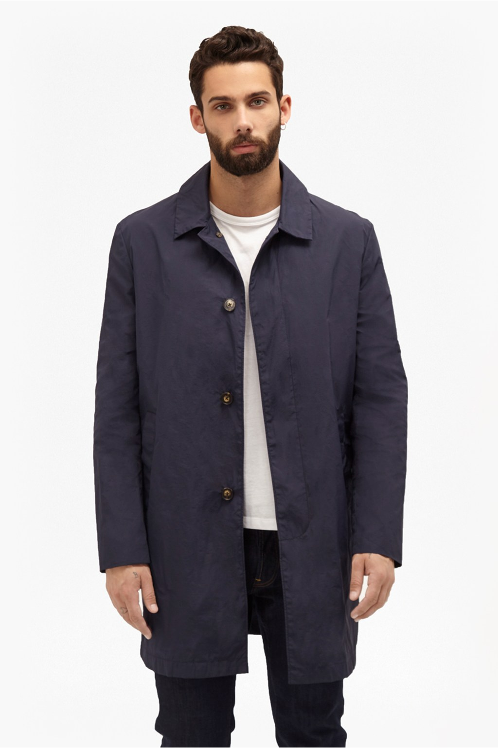 A mac or trench coat is ideal for the tricky transition between seasons. Our men's edit includes lightweight, water-repellent styles smart enought for your daily commute. If you're after something with more protection, go for a hooded option.