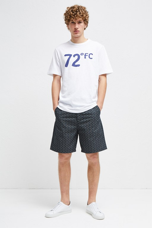 72 degrees slogan t-shirt