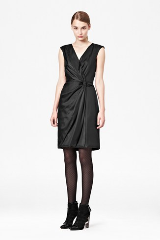 Fast Liquid Lacca Twist Dress