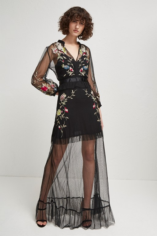 saya stitch embroidered maxi dress