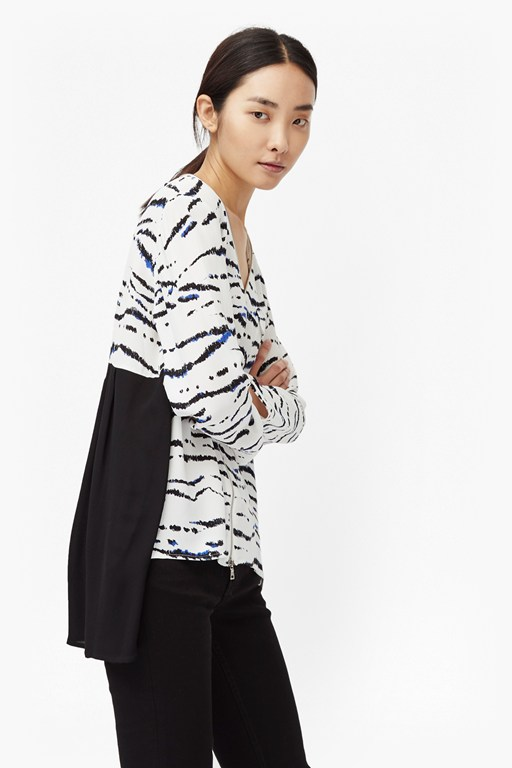 tapir wave pleated back blouse