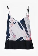 Looks Great With Samba Avenue Floral Camisole