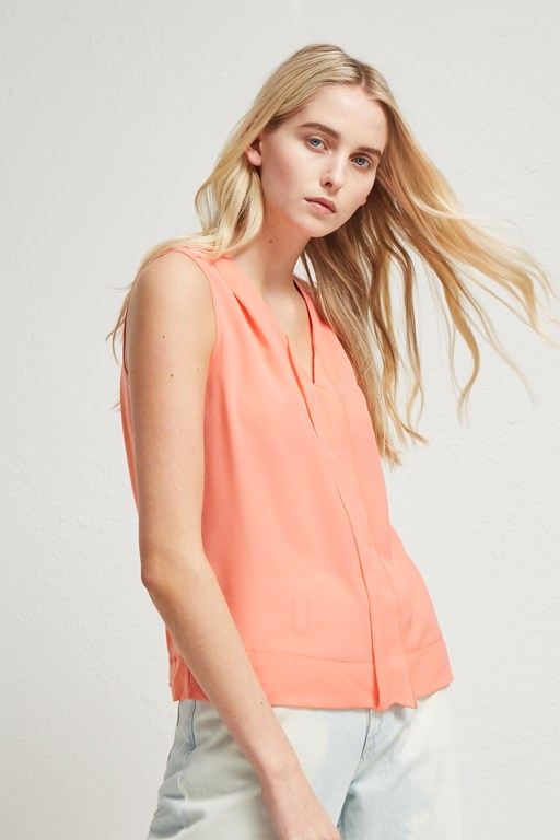 Complete the Look Crepe Light V Neck Top