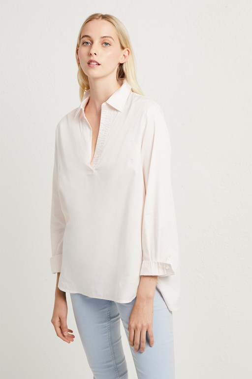 oldenburg stitch v neck shirt