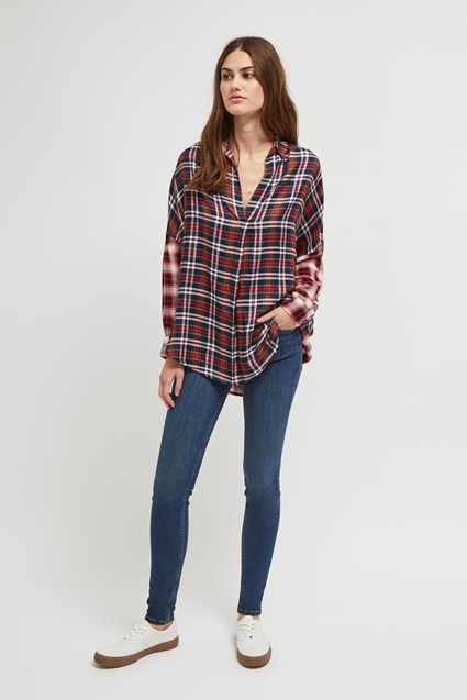 Este Check Drop Hem Shirt