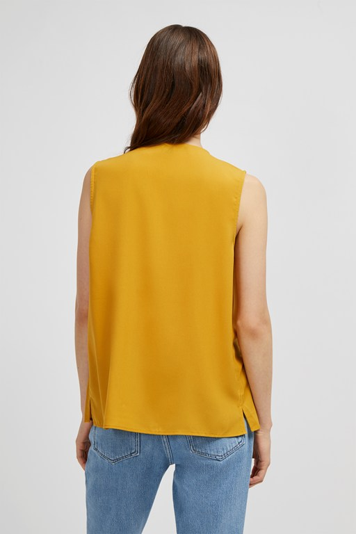 Complete the Look Crepe Light Crossover Top