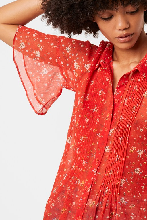 Complete the Look Delmira Crinkle Floral Pintuck Shirt