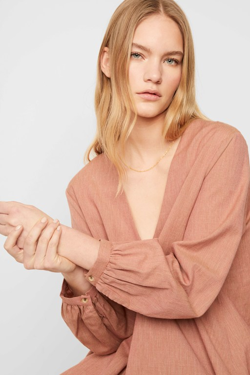 tris oxford oversized v neck blouse