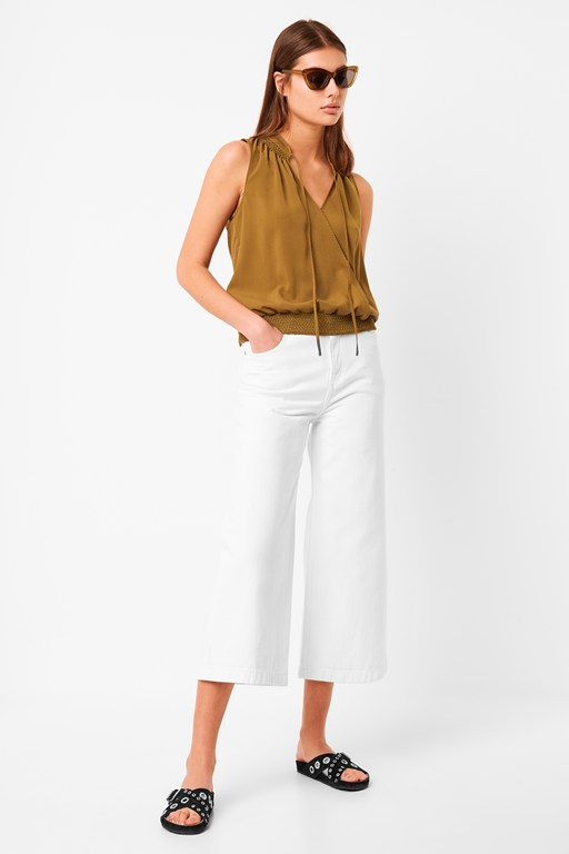 asain light sleeveless smock top