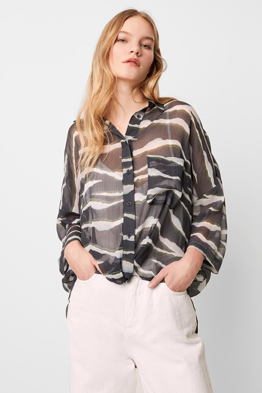 akello crinkle twist front shirt