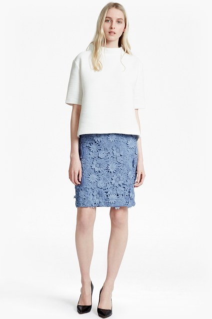 Manzoni 3D Floral Lace Pencil Skirt