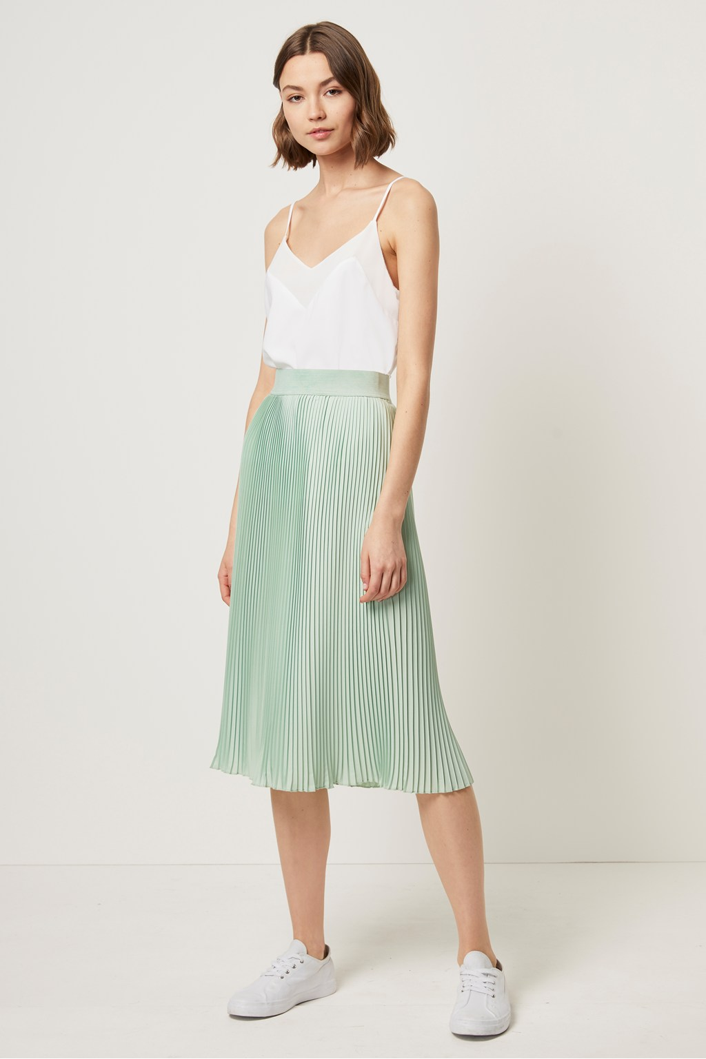 1988be325 Pleated Midi Skirt   Collections   French Connection
