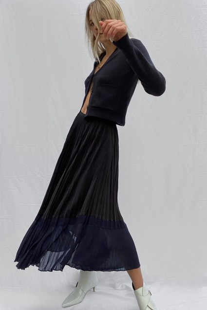 Crepe Light Pleated Skirt