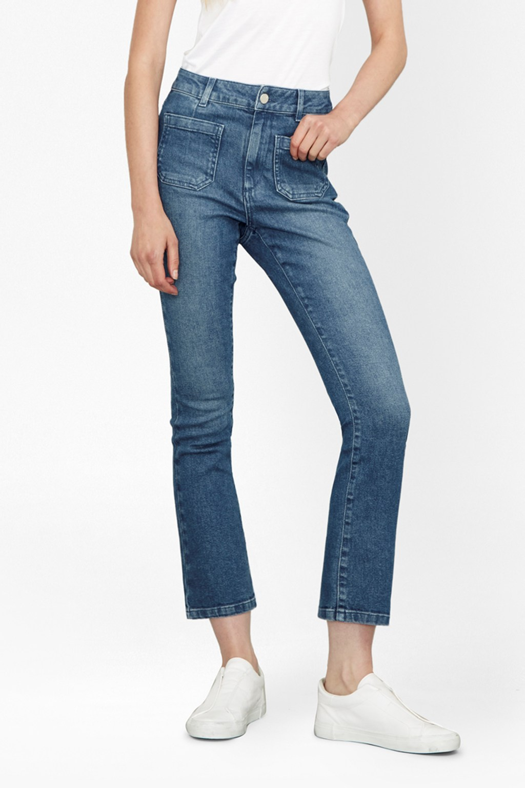 If you're tired of wearing skirts, dresses, and shorts and ready to get back into your jeans, here's how to do it—starting with a solid pair of kick flares. Catch up over the latest trendy.