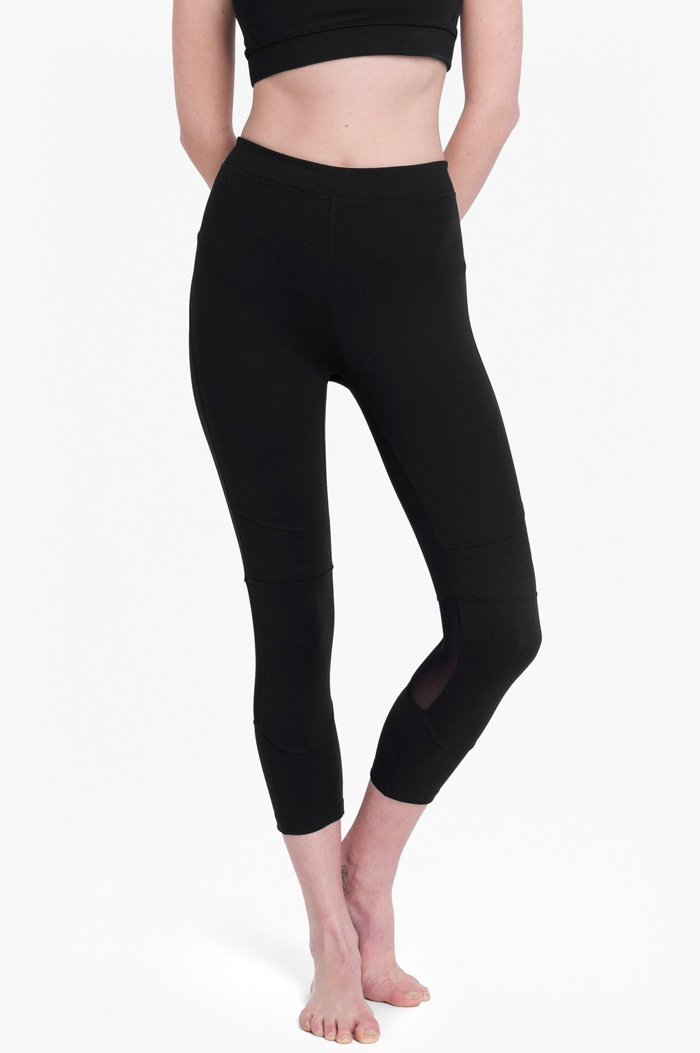 Comfort Stretch Cropped Performance Leggings - black