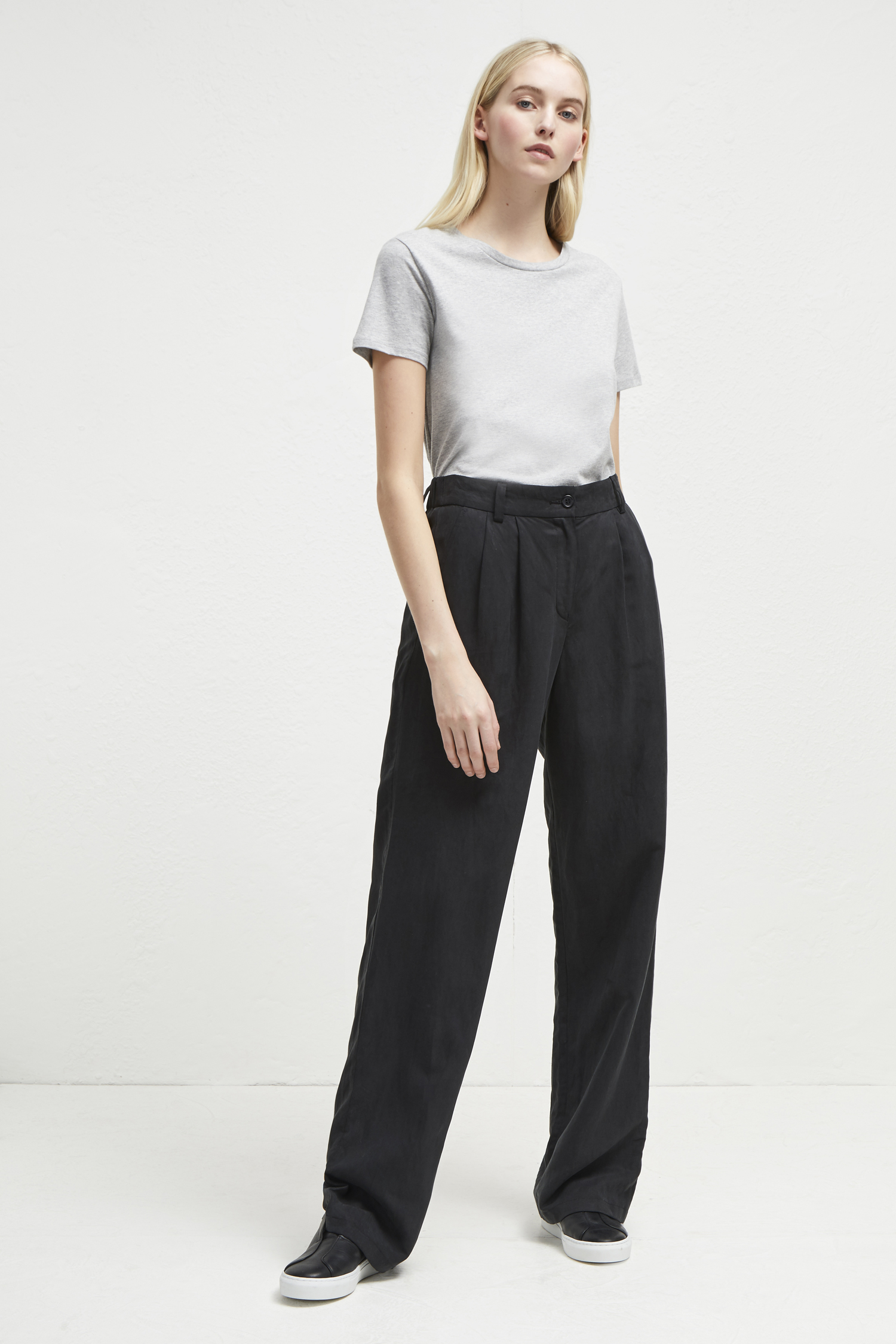 Caspia Linen Pleated Trousers - black
