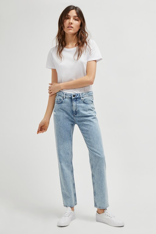 Complete the Look Gilly Flicker Mom Jeans