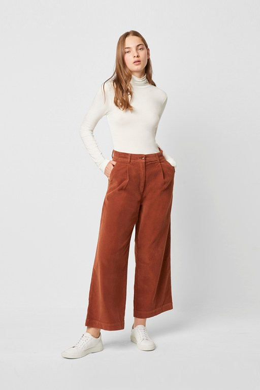 manzu cord wide leg trousers