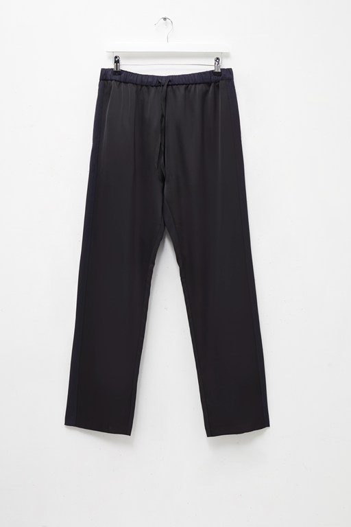 Complete the Look Safiana Silk Jogger