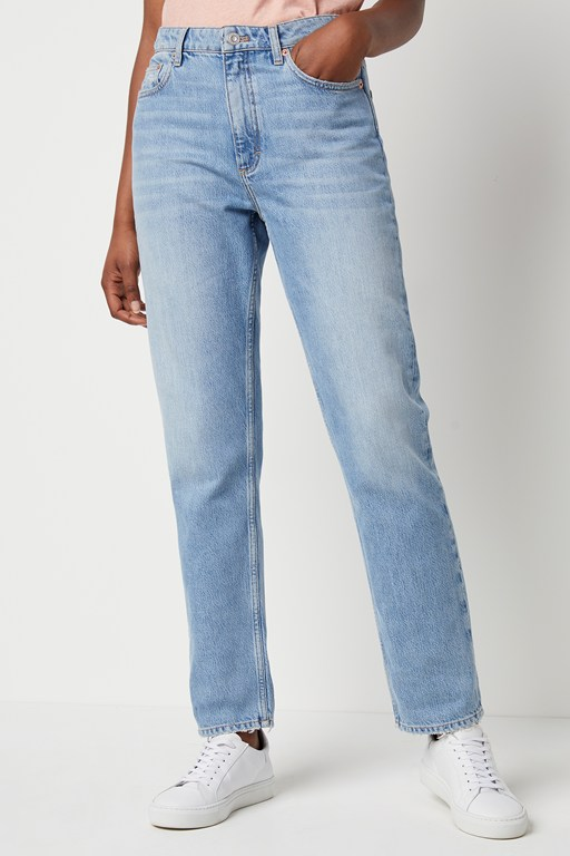 Complete the Look Palmira Straight Leg Jeans