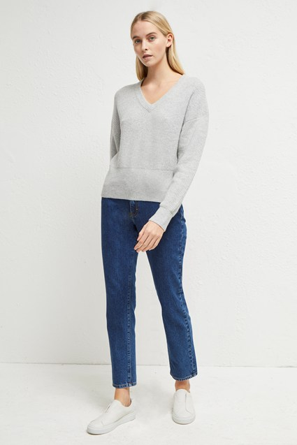 River Vhari Knits V Neck Jumper