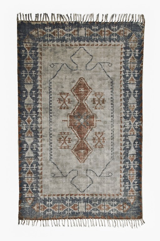 Complete the Look Medium Vintage King Rug
