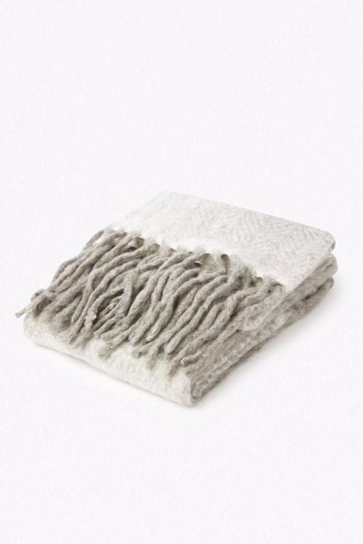 Complete the Look Super Soft Fringe Blanket / Throw