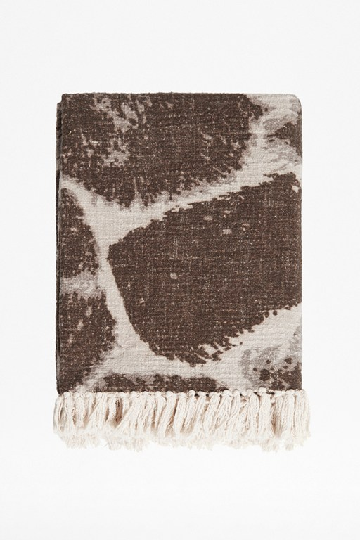 giraffe print throw