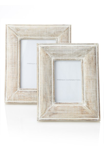 White washed photoframe