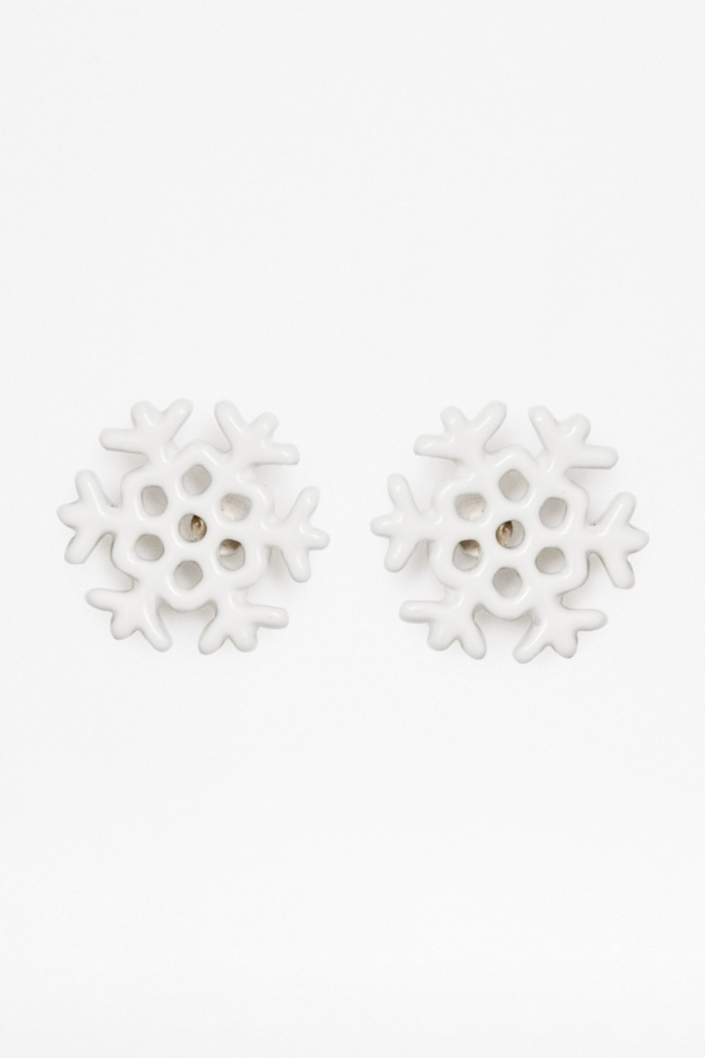 snowflake stud earrings accessories connection