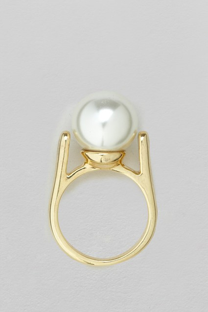 Glass Pearl Ring
