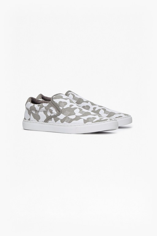 Complete the Look Caliso Gore Printed Slip Ons