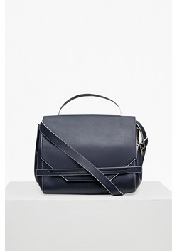 Core Contrast Edge Shoulder Bag