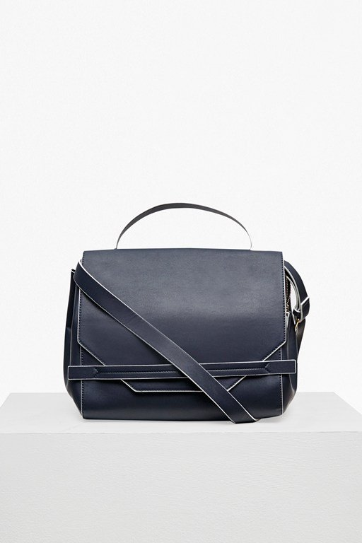 Complete the Look Core Contrast Edge Shoulder Bag