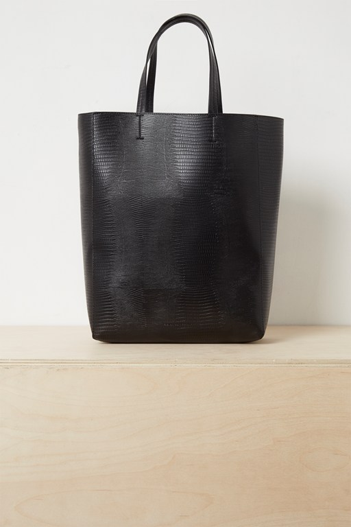 moa textured tote bag