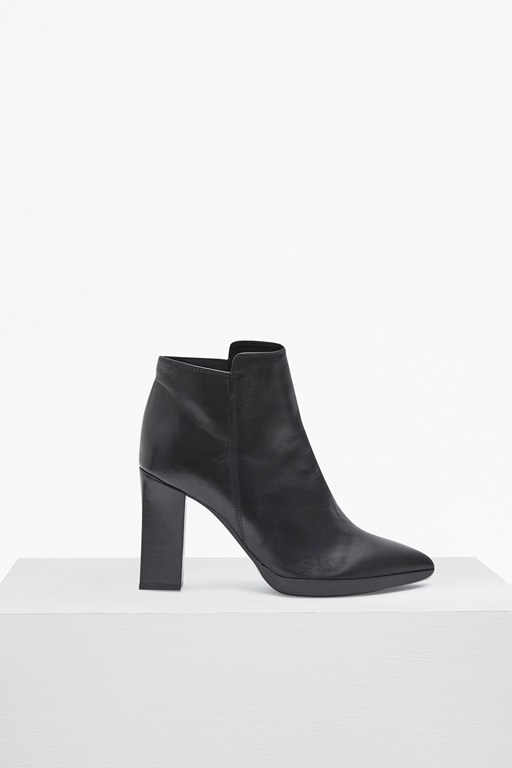 reina high heel ankle boots