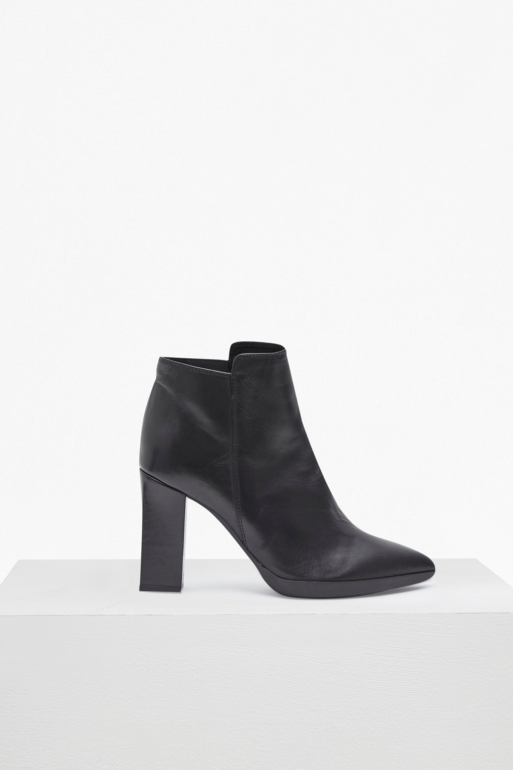 Reina High Heel Ankle Boots. loading images.