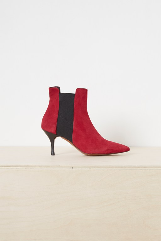 Complete the Look Jojo Suede Chelsea Pointy Boots