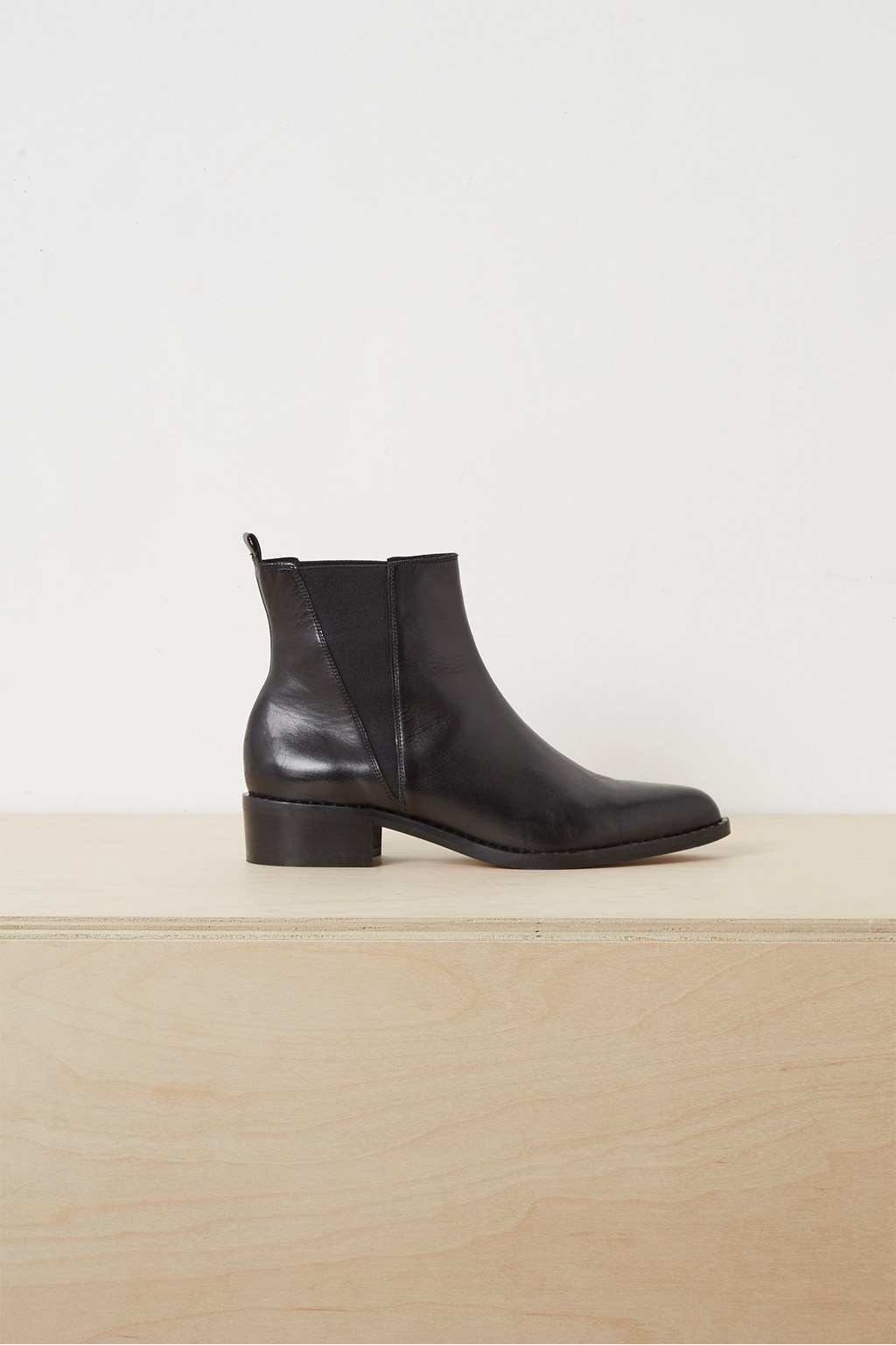look good shoes sale Discover thoughts on Vella Studded Chelsea Ankle Boots