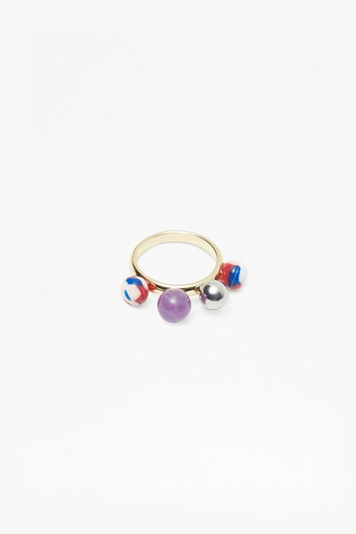 Complete the Look Colour Resin 4 Bead Ring