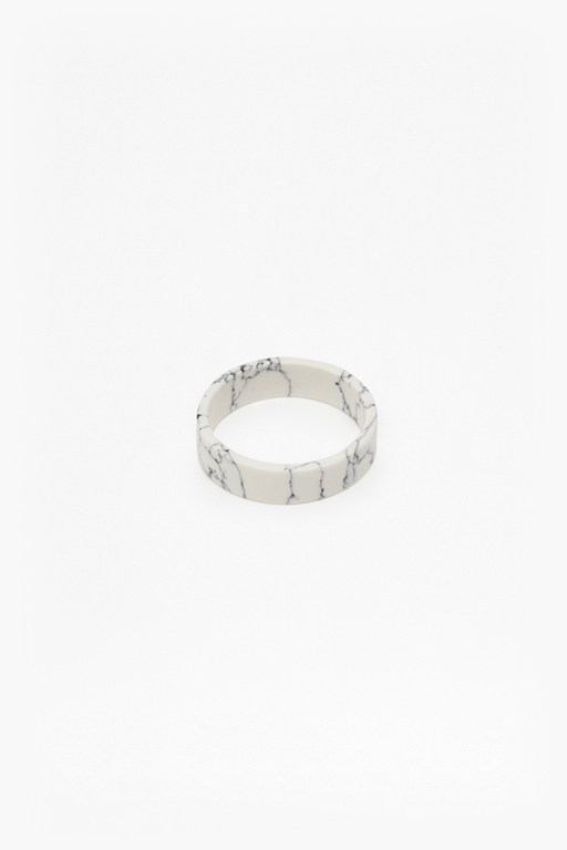 Complete the Look Geo Resin Ring