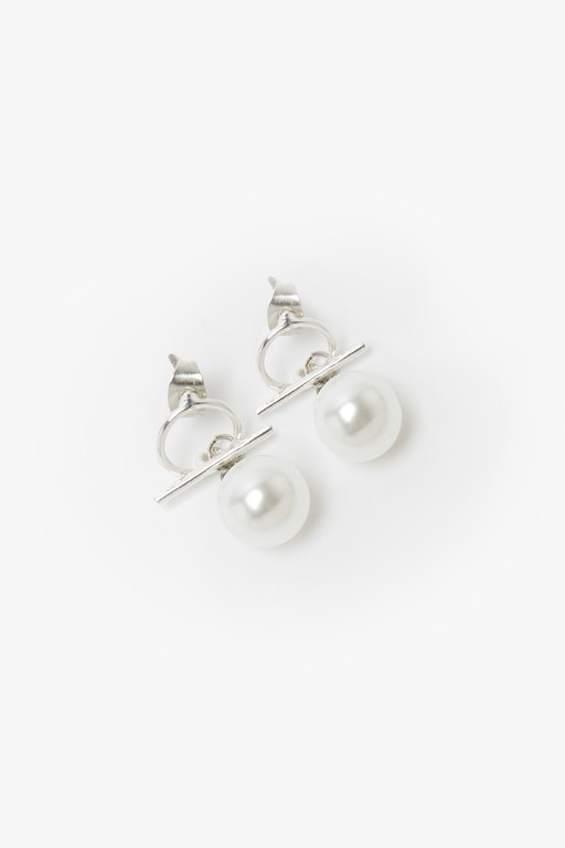 Complete the Look Pearl Bar Earrings