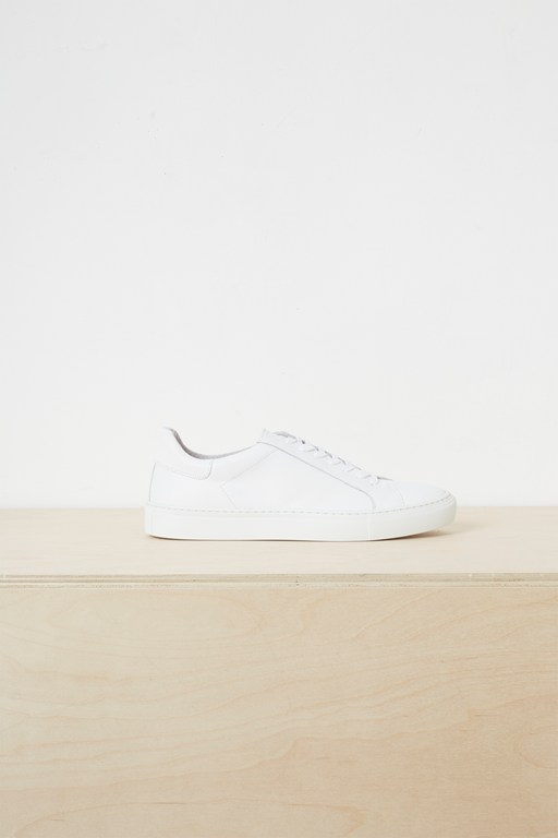 lars lace up trainers