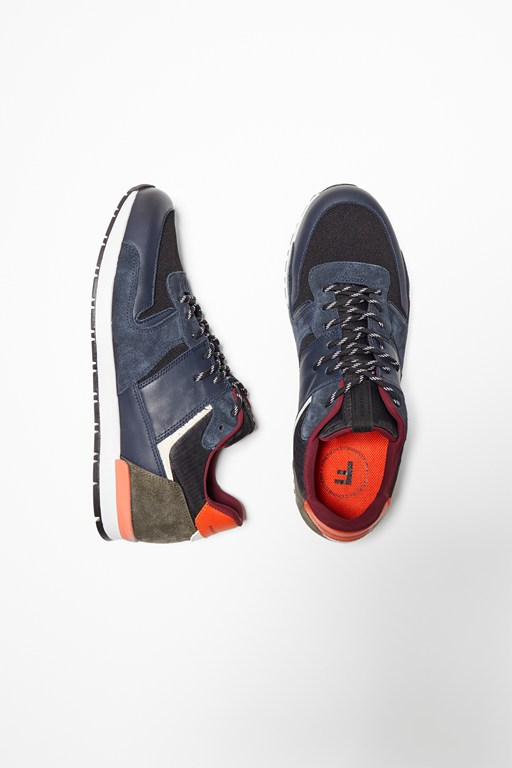 Complete the Look Multi Panel Runner Trainers