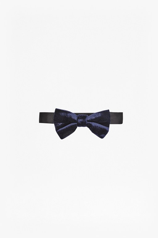 Complete the Look Velvet Galore Bow Tie
